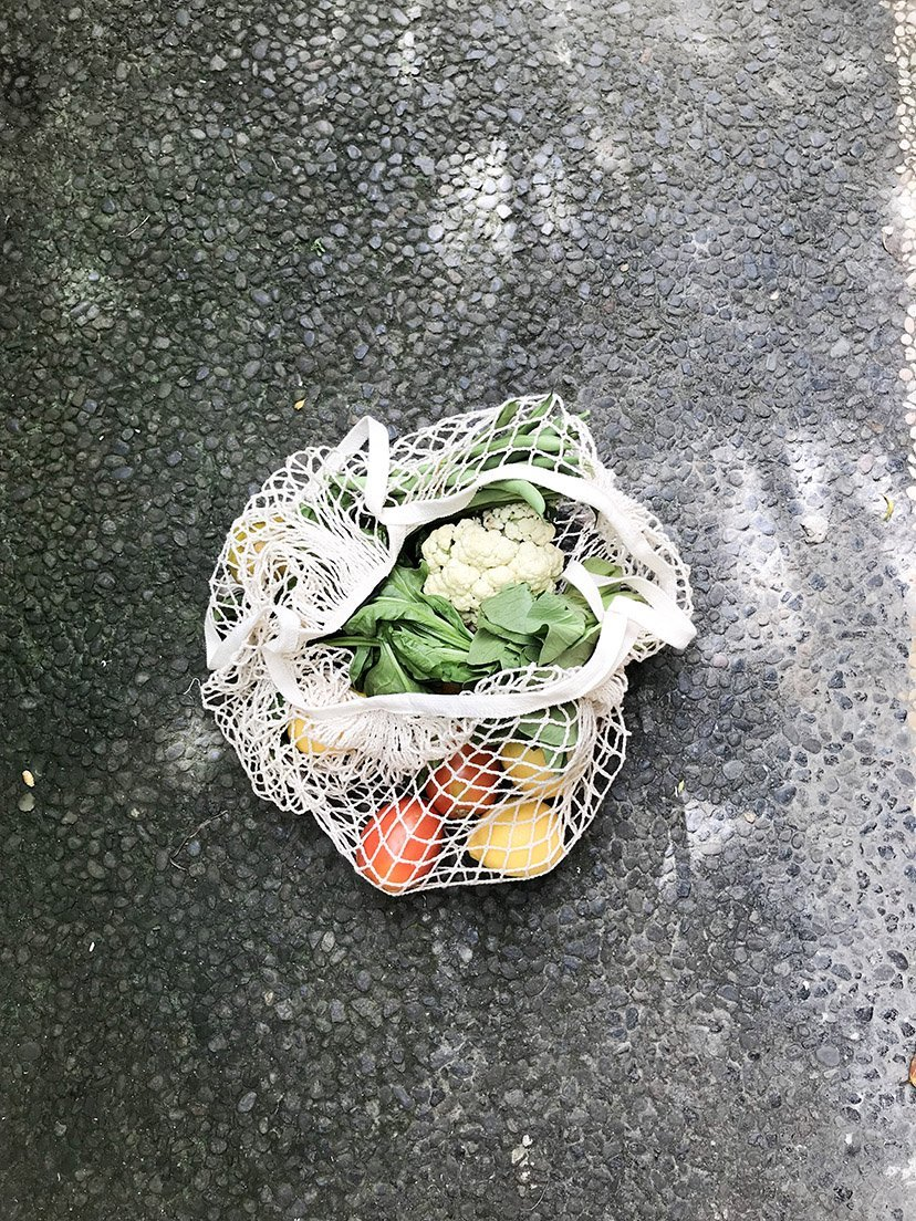 bolsa con fruta y verdura